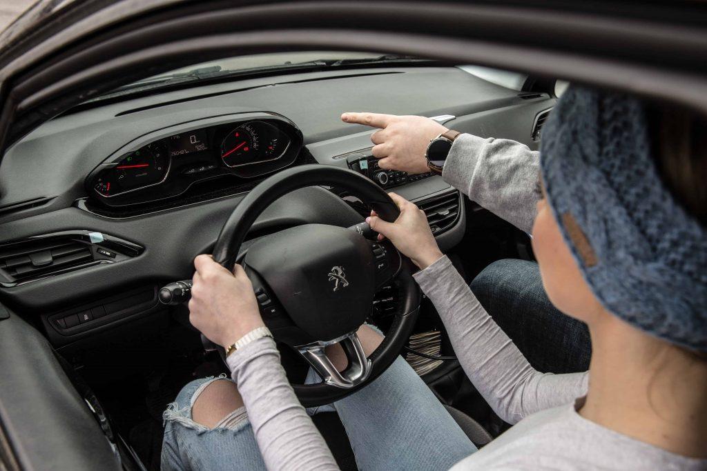 ucenje voznja s sovoznikom mladi voznik 16 let